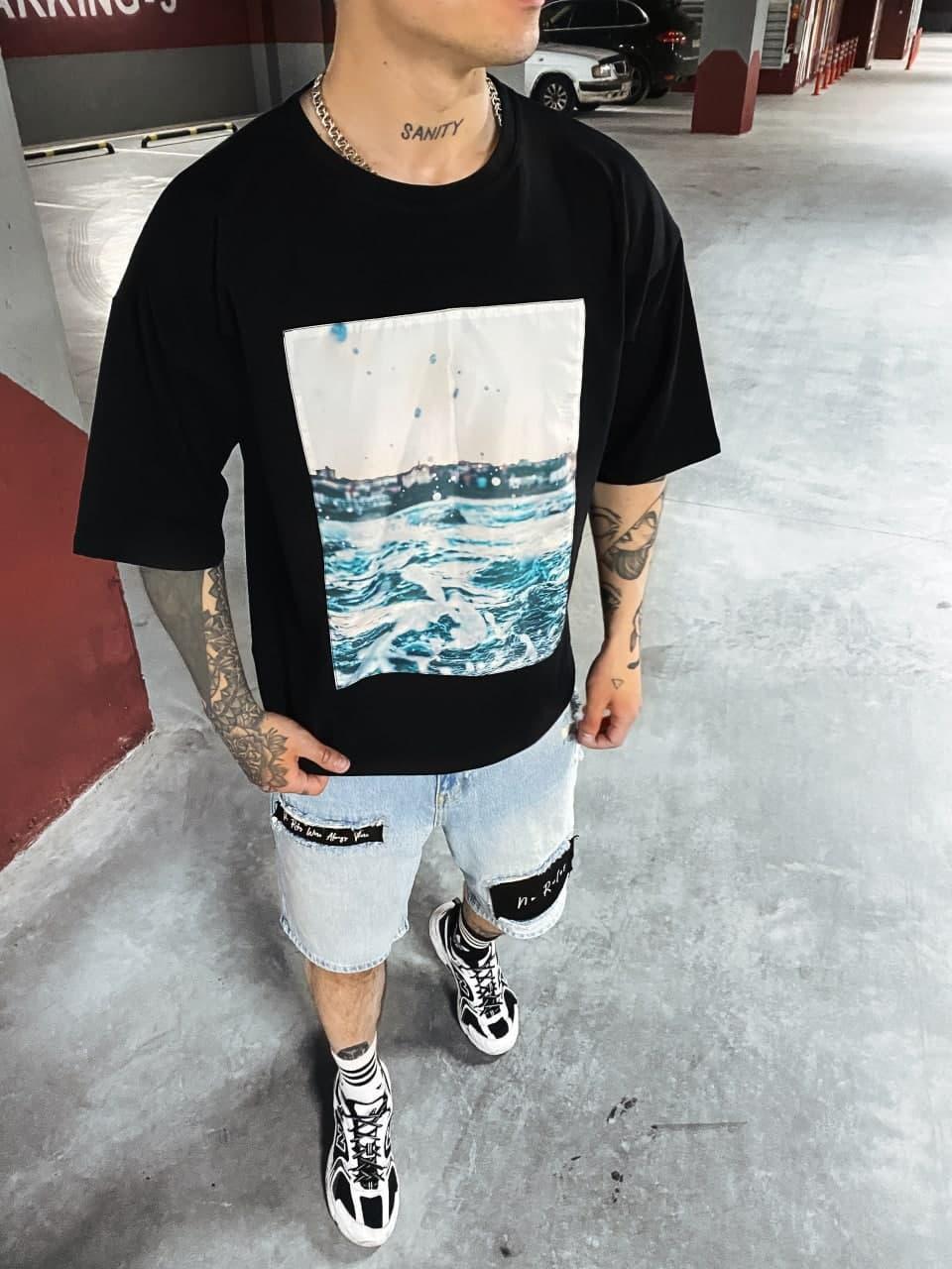 Чоловіча річна чорна футболка oversize. Стильна чоловіча літня футболка.