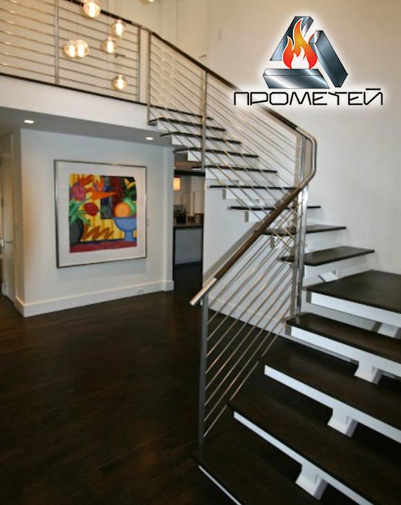 Г-подібні сталеві сходи на монокосоурі з майданчиком - з огородженням з нержавійки під замовлення