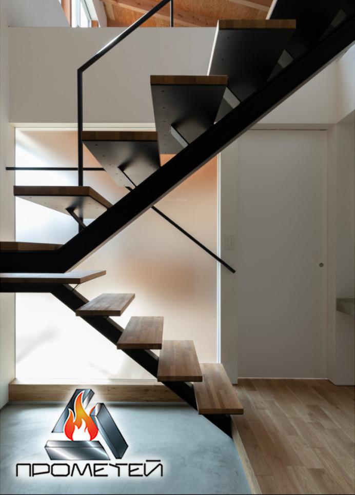 П-подібні металеві сходи на монокосоурі - виїзд замірника до вас додому або в офіс