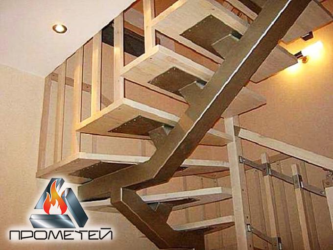 П-подібні металеві сходи на монокосоурі - побудуємо з нуля в вашому домі чи на дачі