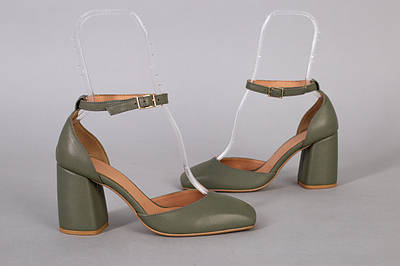 Босоножки женские кожаные цвета хаки с закрытыми пяткой и носком