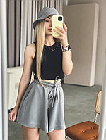 Вільні жіночі шорти в спортивному стилі