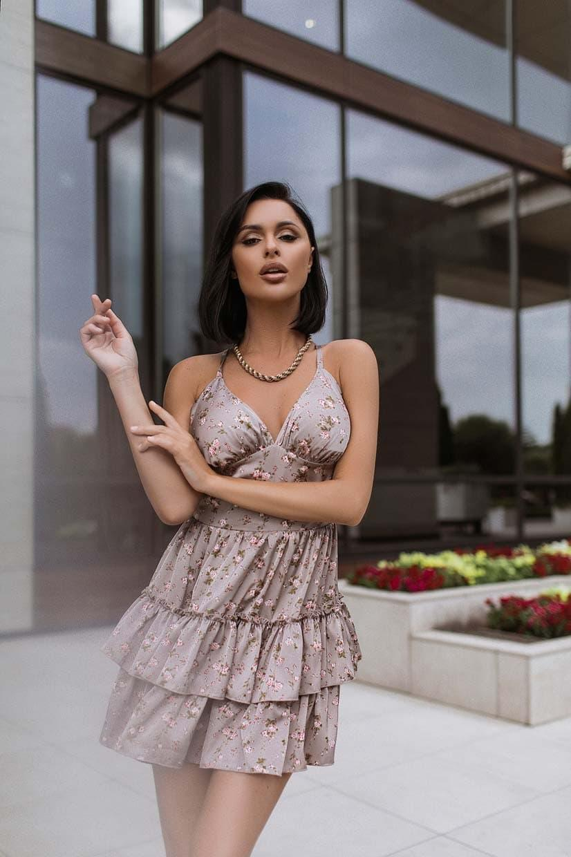 Шелковое короткое платье с расклешенной двойной юбкой и открытой спиной (р. S-M) 66py2689Q