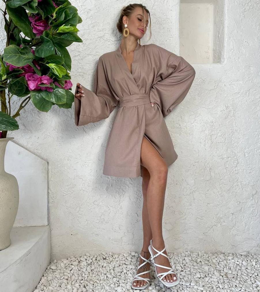 Льняное женское платье-кимоно на запах