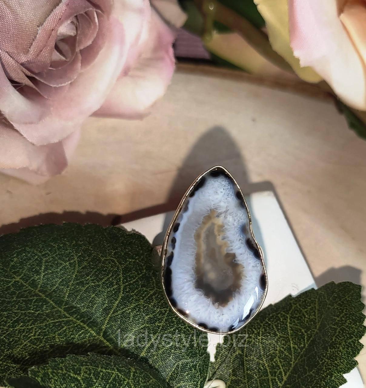 """Серебряное кольцо с друзой  агатом  """"Скала"""", размер 18.2"""