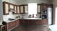 Кухни с деревянными фасадами AVENUE
