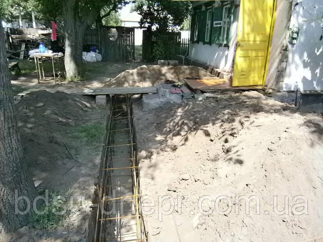 Земельные работы и рытьё ям в Днепропетровске, фото