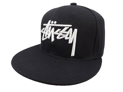 Черная кепка Stussy с белой надписью (реплика)