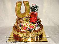 """Конфетный торт с подковой и виски""""Новогодние достижения"""""""