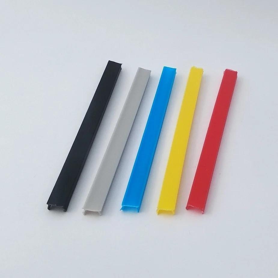Заглушка лінійна паз 10мм, чорний пластик