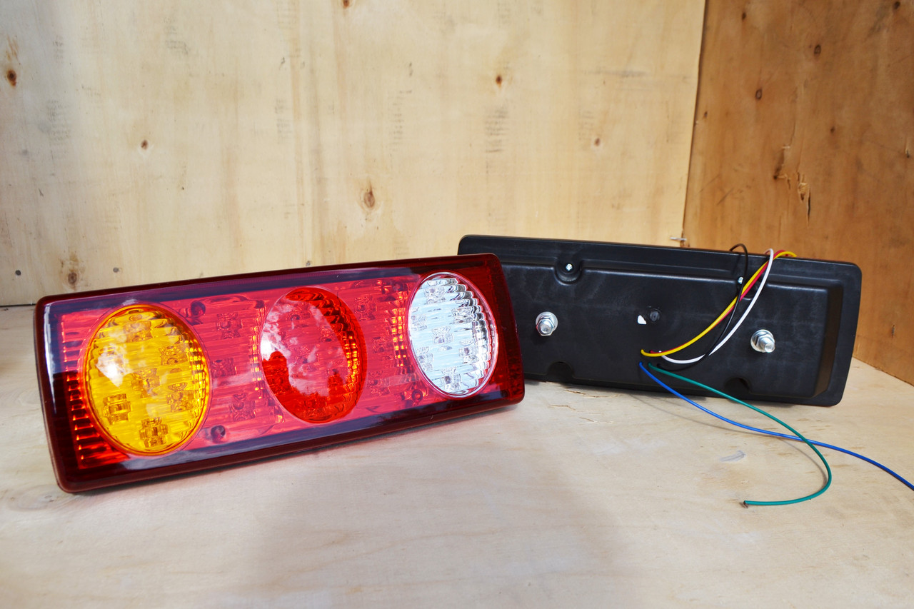 Фонарь LED 12V задний универсальный  (5 режимов) (300*110*75)