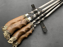 """Подарунковий набір шампурів з дерев'яними ручками """"Лісова зграя"""" в шкіряному сагайдаку"""