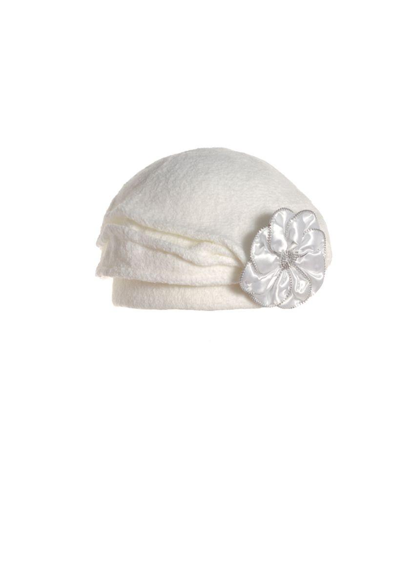 Женский модный нарядный берет, украшенный белым красивым цветком.