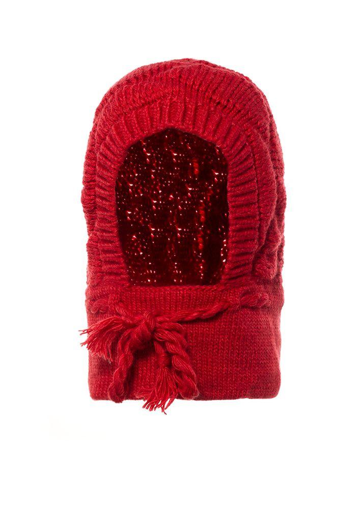 Удобная красная детская вязанная шапочка под шею.