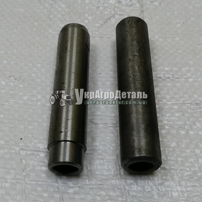 Втулка напрямна клапана Д-65 ЮМЗ 50-1007032