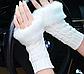 Вязані мітенки з хутром, білого кольору, фото 3