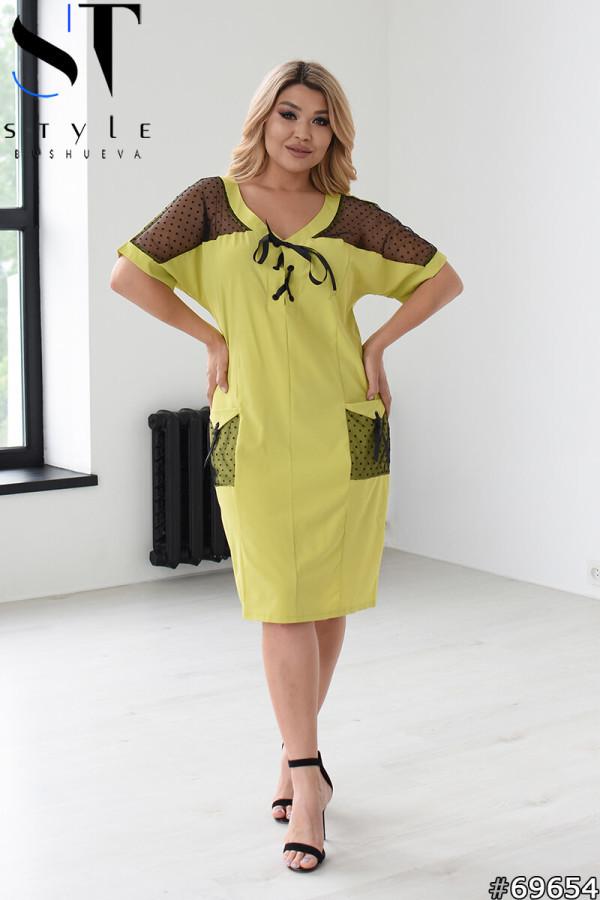 Прямое женское платье с V-образным вырезом и вставками из сетки с 48 по 58 размер