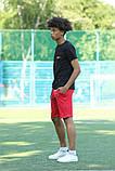 Чорна футболка з логотипом Nike та червоні шорти, фото 6