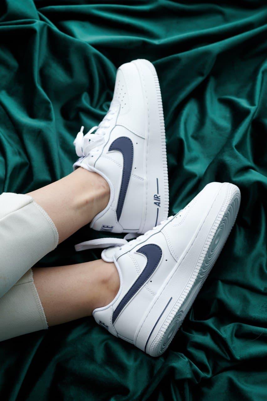 Жіночі кросівки Nike Air Force 1 White 'Blue Logo'