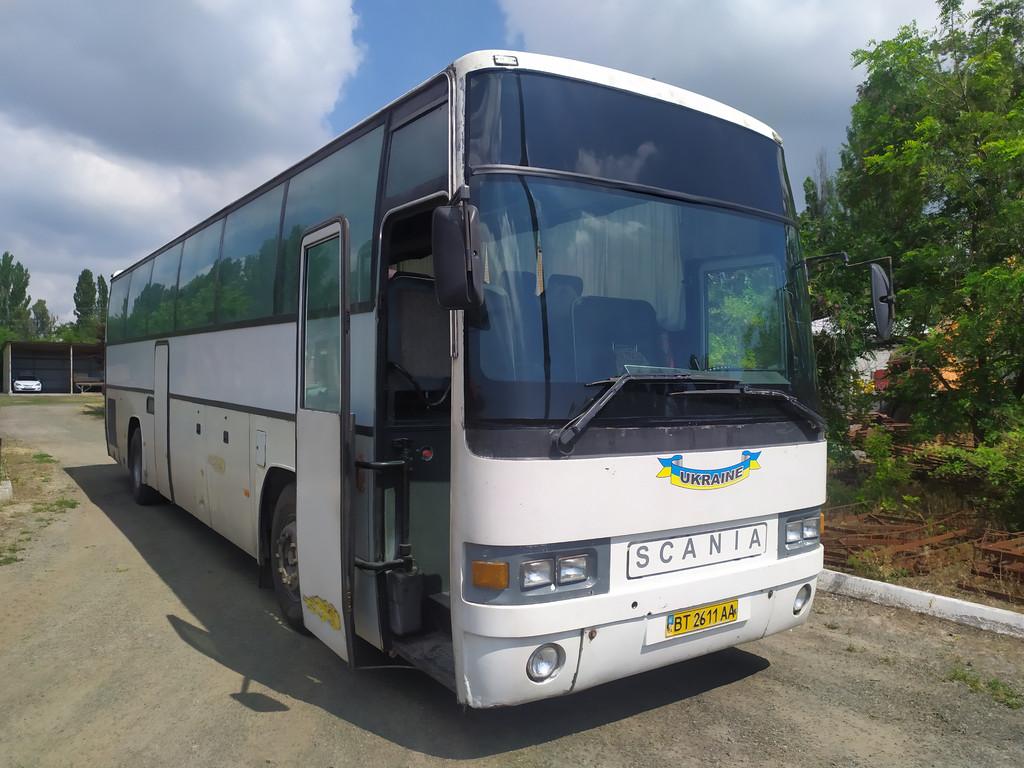 Производство и замена лобового стекла триплекс на автобусе Irizar Everest на шасси Scania K113 в Никополе (Украина).