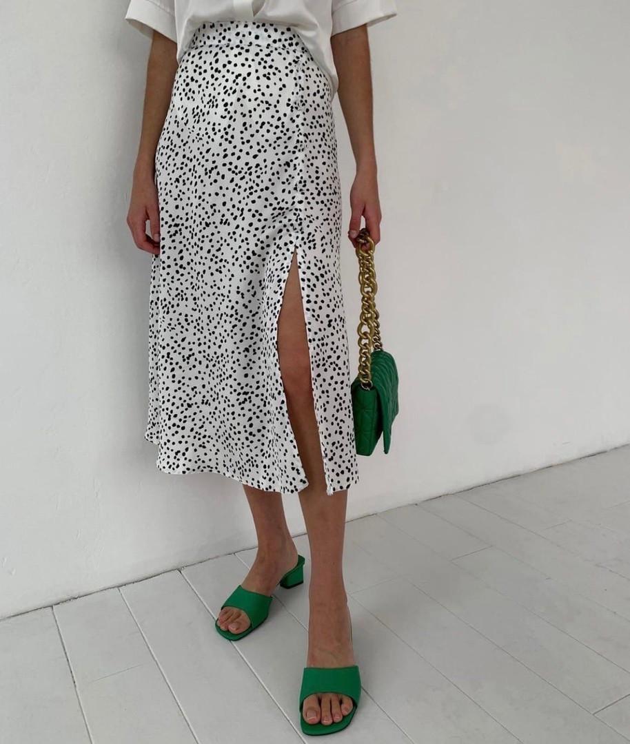 Женская юбка миди в горошек с разрезом