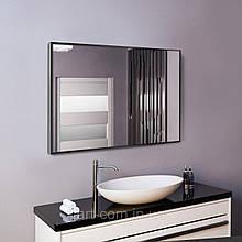 Чорне дзеркало в алюмінієвій рамі для ванної