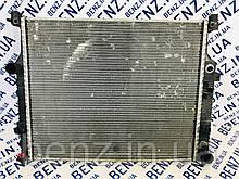 Радиатор охлаждения двигателя AMG 63 Mercedes W164, R230 A1645000803