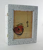 "Нистенная ключница  21*26 см. Белая ""Сердце и ключ"" (дерево), фото 1"