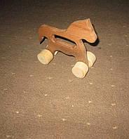 Детская игрушка из дерева - каталка Лошадка