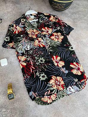 Чоловіча легка сорочка чорного кольору з квітами, фото 2