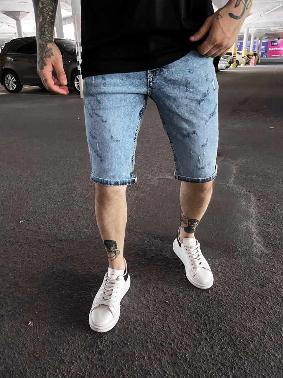 Мужские джинсовые шорты голубого цвета