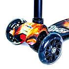 Триколісний самокат з світяться колесами з малюнком Scale Scooter Maxi 32х13 Battle, фото 3