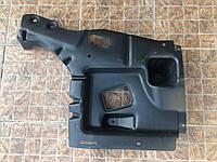 Захист пластик шасі кузова права 670032420 670032420DX Maserati Levante, фото 1