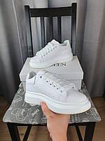 Кроссовки женские Alexander McQueen в белом цвете. Женские кроссы Александр Маквин белые 2021