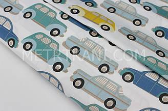 """Сатин """"Машинки"""" бірюзові, блакитні і жовті на білому № 160-80 з"""