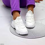Стильні жіночі кросівки білі текстиль + гума/ силікон, фото 3