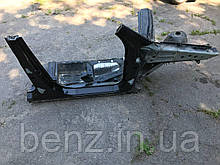 Передня права чверть з лонжероном Mercedes W164 A1646201361