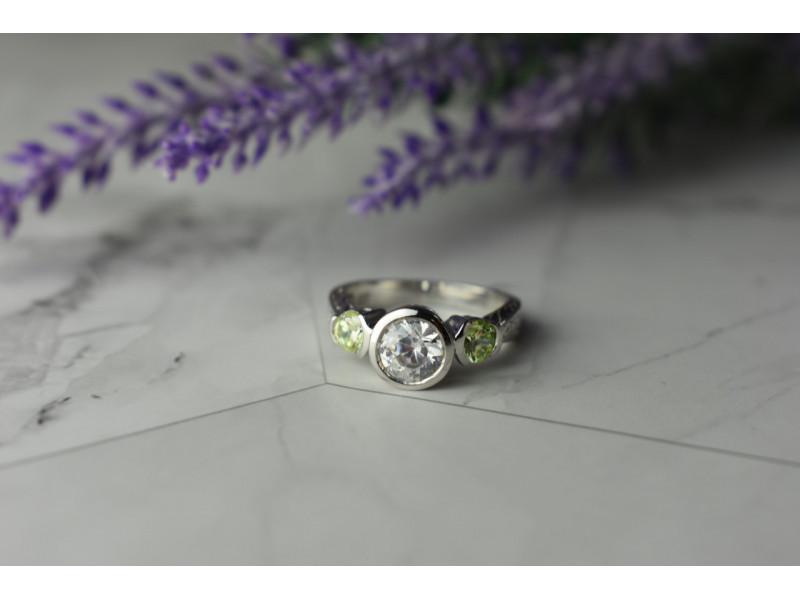 Серебряное Кольцо с  Фианитами 925 проба