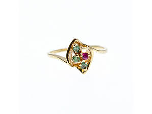 Золотое кольцо с изумрудами и рубином   Сладость