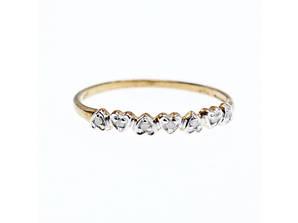 Золотое кольцо 417 проба с белыми сапфирами  Сердце