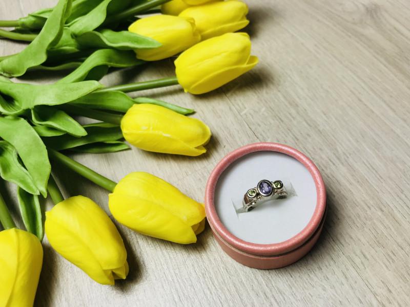 Серебряное кольцо с камнем сиреневый Турмалин