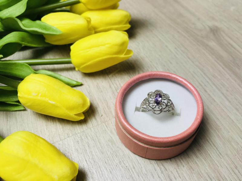 Серебряное кольцо с камнем Иолит