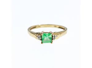 Золотое кольцо с камнями цаворит и бриллиантами  Очарование