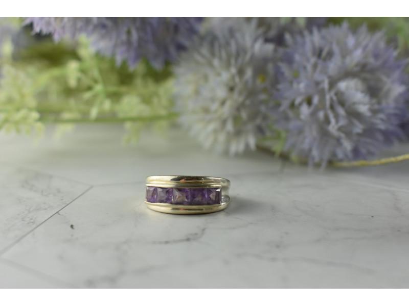Серебряное кольцо 925 пробы с фиолетовым Турмалином  *Классика*