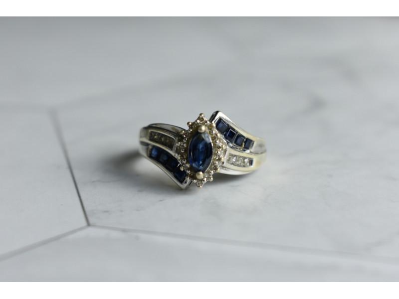 Серебряное кольцо 925 проба с синим и белым Сапфиром
