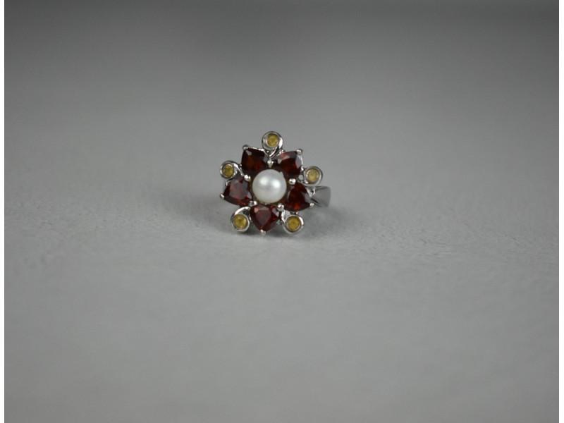 Серебряное кольцо с Альмандином, Гелиодором и Жемчугом