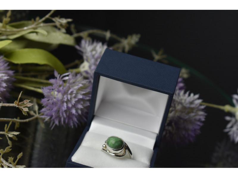 Серебряное кольцо 925 пробы с Зеленой Бирюзой
