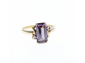 Золотое кольцо с Александритом и Бриллиантами    Уникальность