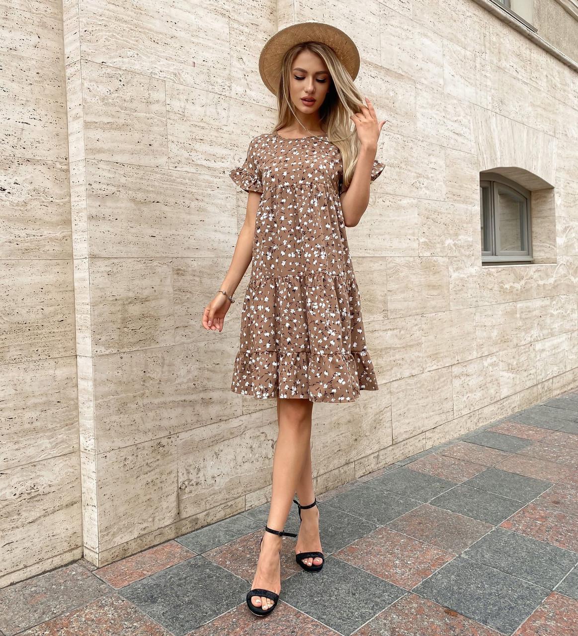 Легке плаття вільного фасону з квітковим принтом
