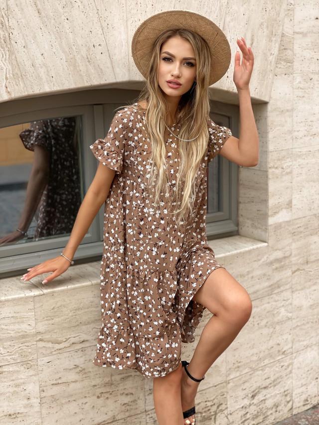 Лёгкое платье свободного фасона с цветочным принтом